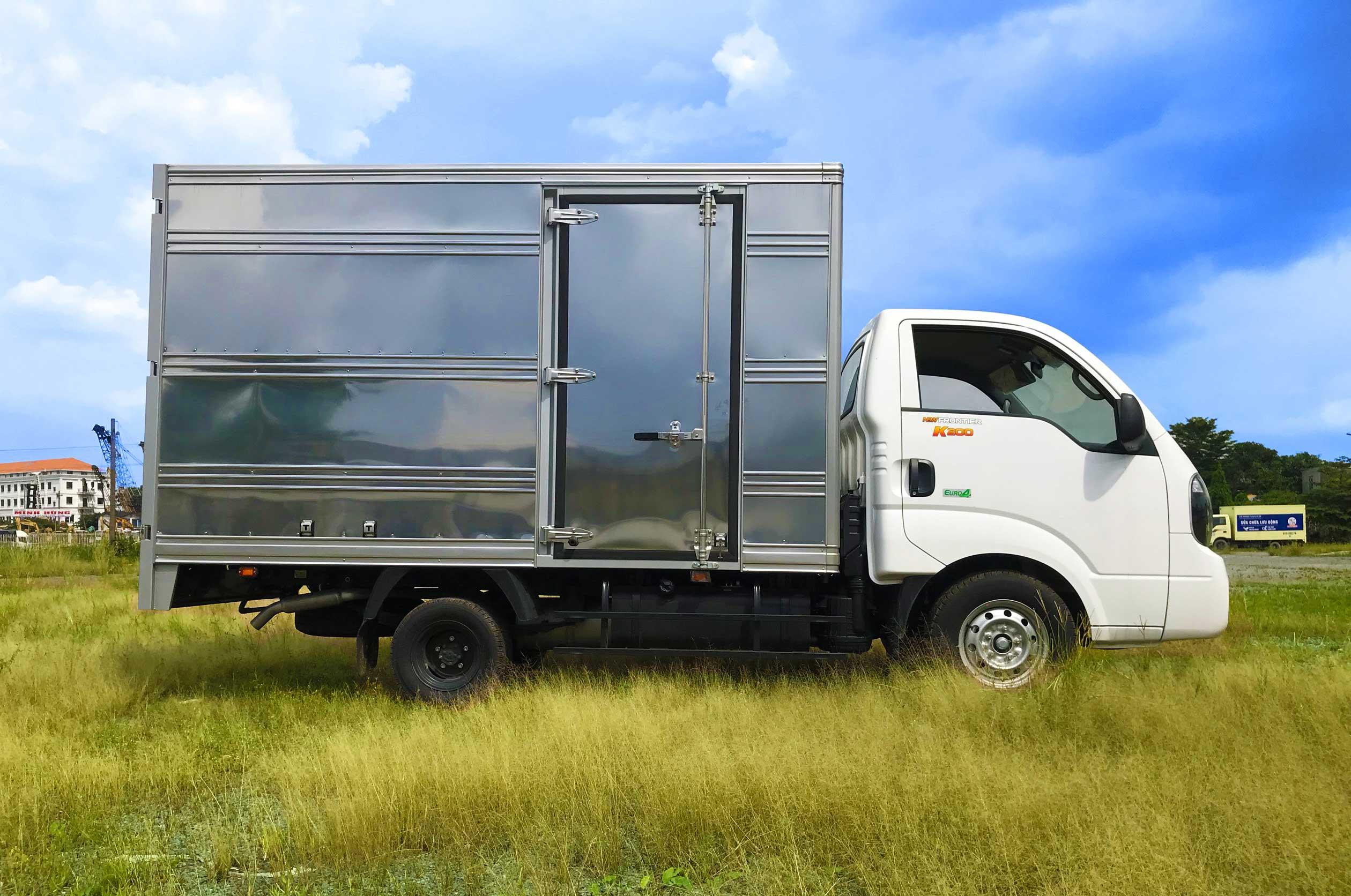 Xe tải thùng kín tiếng Anh là gì?
