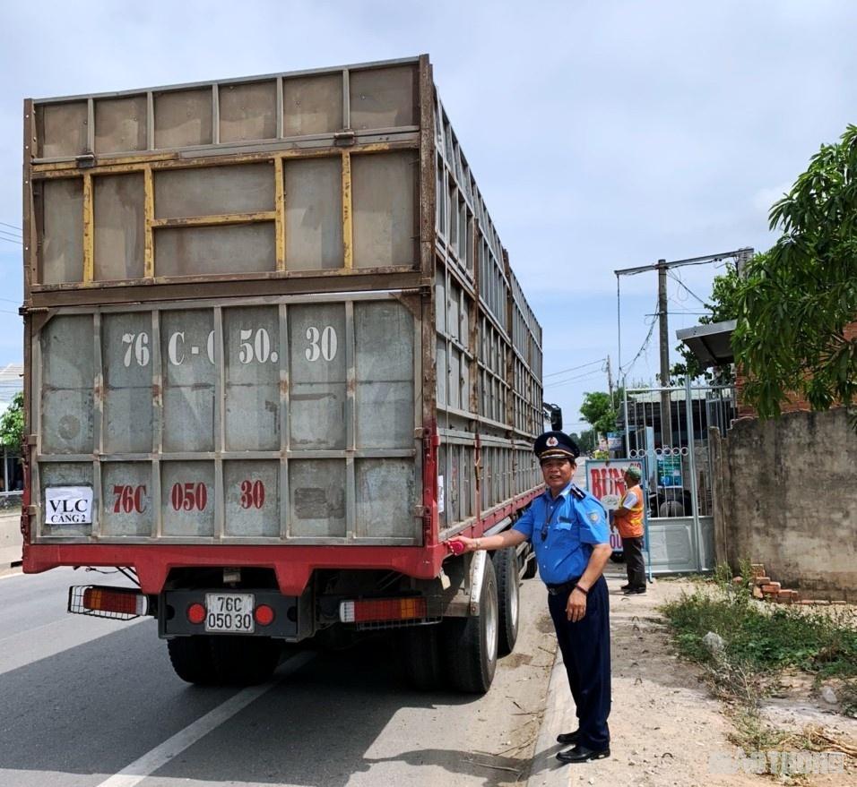 Mức phạt đối với lỗi chở hàng hóa quá trọng tải cho phép là 5 - 7 triệu đồng