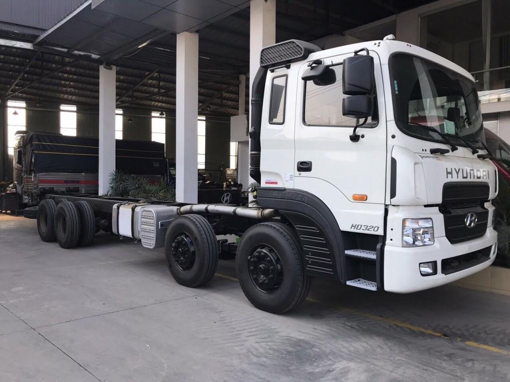 Xe 4 chân Hyundai PH320 tải trọng 18 tấn