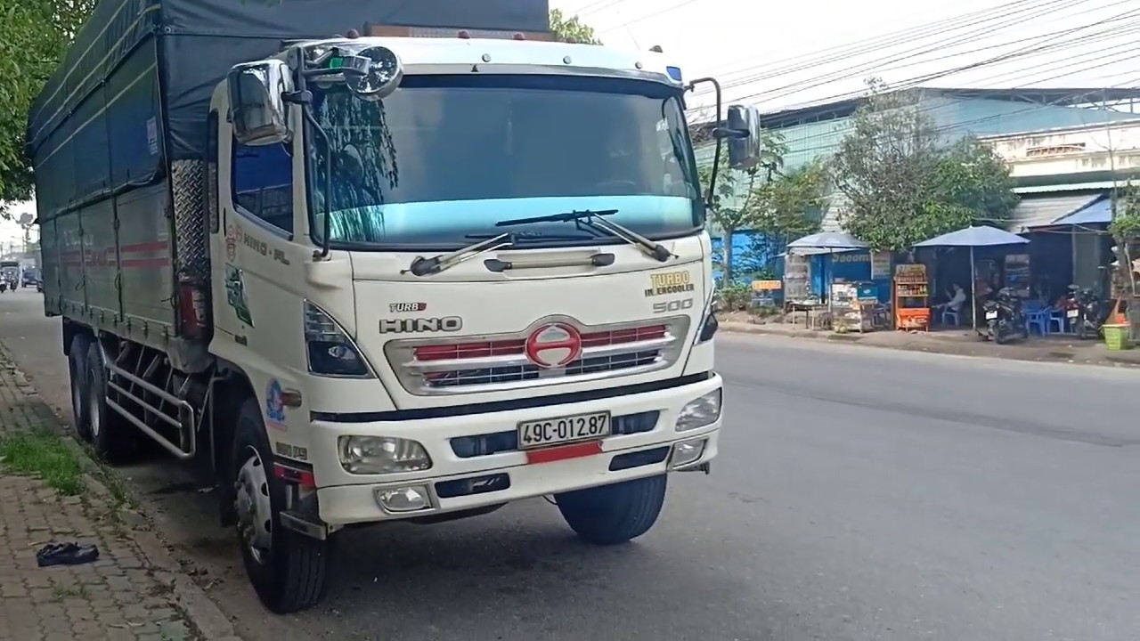 Xe tải 3 chân chở được tối đa là 15 tấn