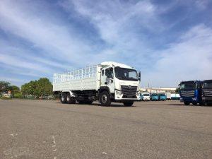 Xe tải 3 giò dùng để vận chuyển hàng hóa khối lượng lớn
