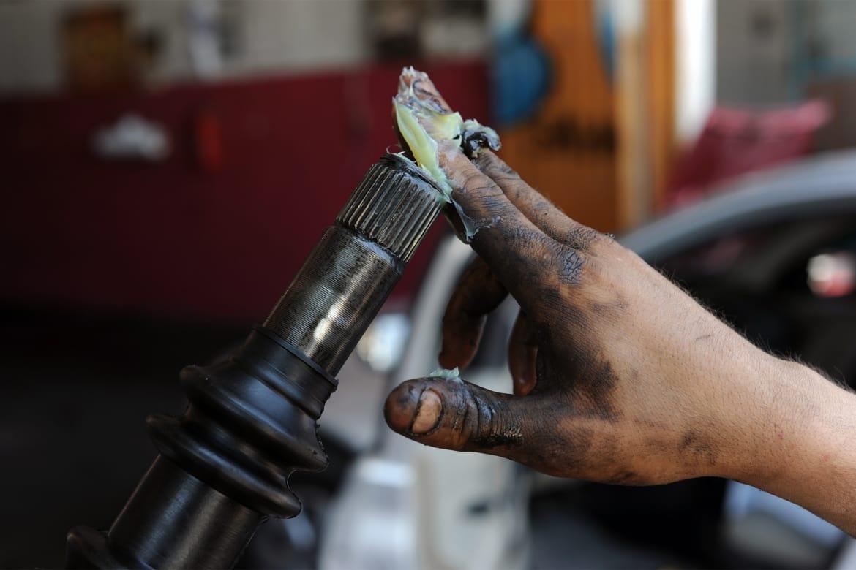Trục láp xe tải phải được bảo dưỡng thường xuyên