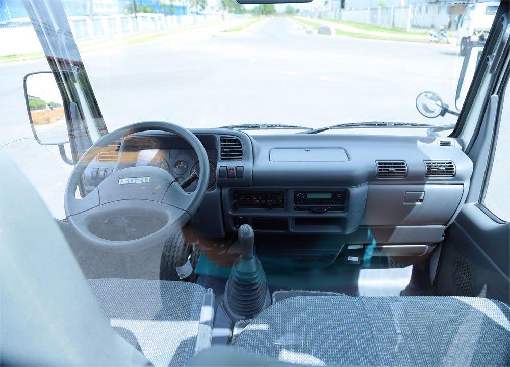 Xe tải isuzu vm 1t9 có thiết kế nội thất tiện nghi, sang trọng