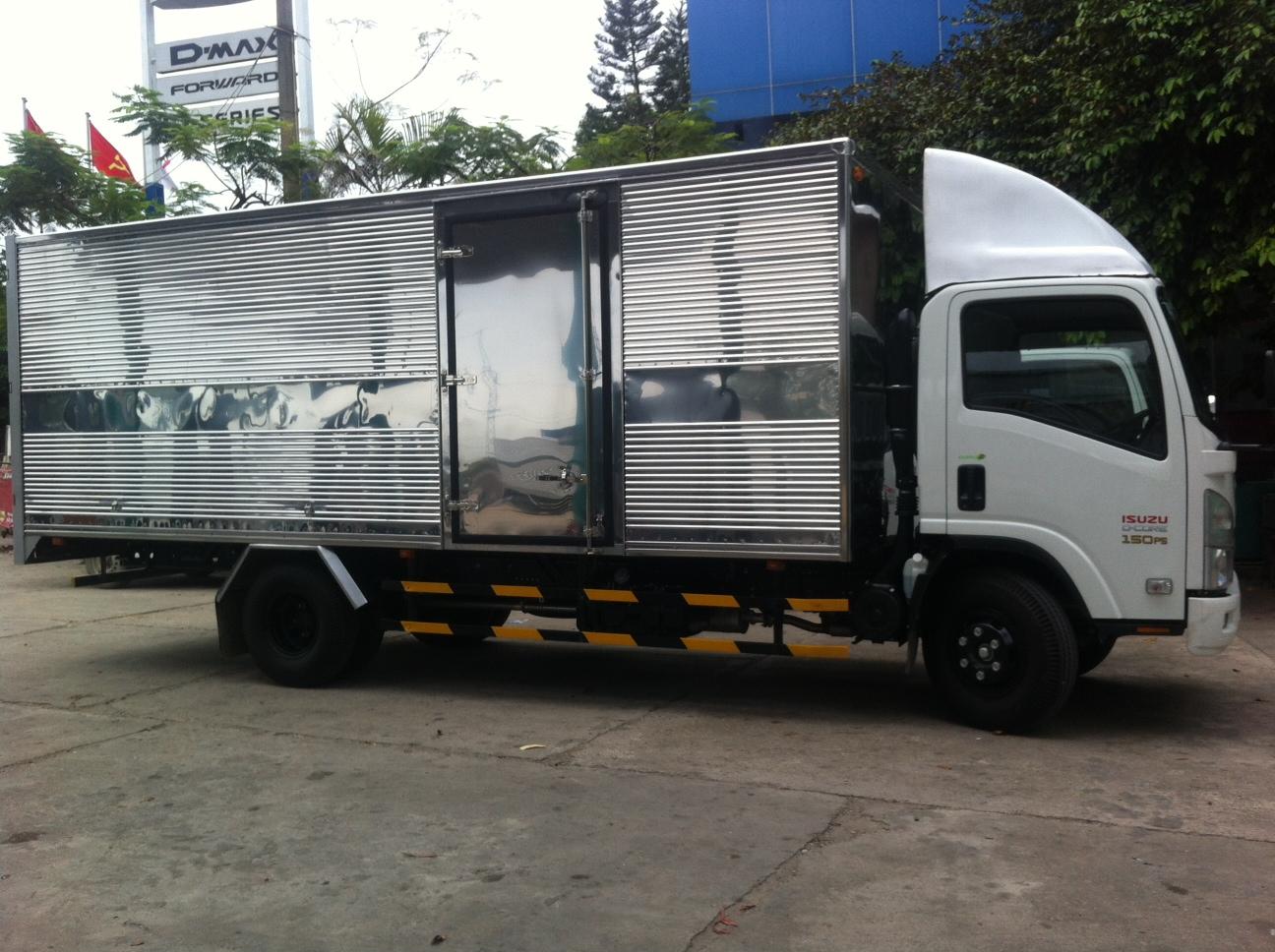 Xe tải ISUZU 5 tấn thùng 6m2