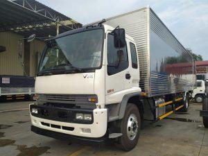 Xe tải Isuzu VM 8t2 chở đa dạng hàng hóa