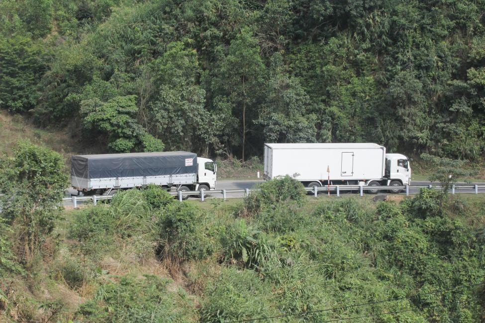 Xe tải thùng siêu dài giúp dễ dàng vận chuyển hàng hóa có kích thước lớn