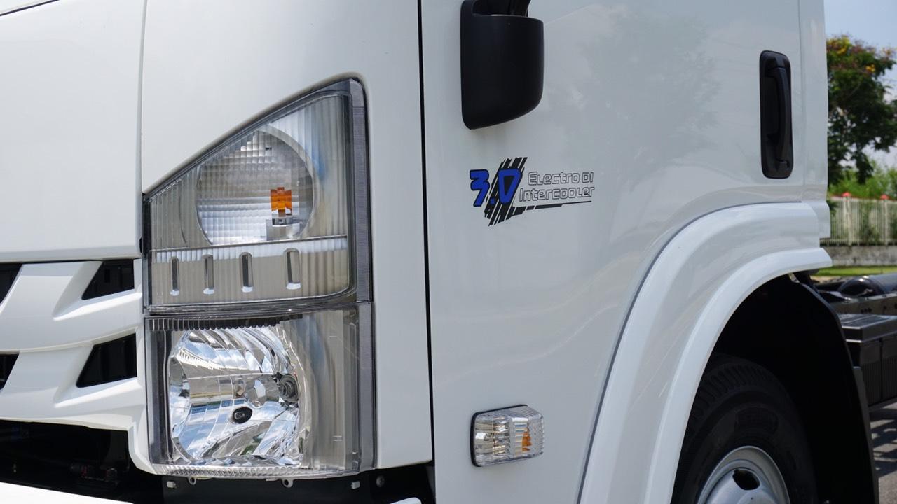 Hệ thống đèn chất lượng xe tải Vĩnh Phát M750SL